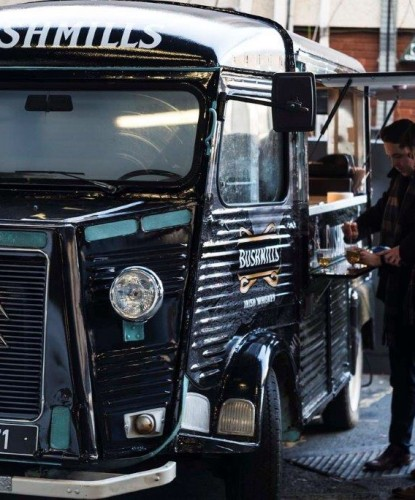 Queue+at+Savage+Food+&+Fitzers+Catering+Outdoor+event+vintage+whisky+truck